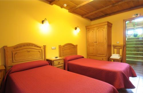 habitacion_dos_camas_castro_urdiales